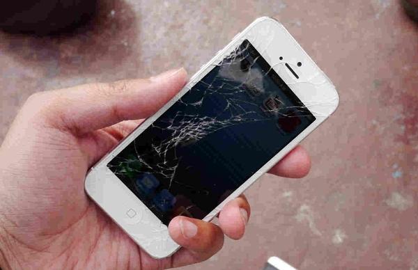 1386159745_iphone-5-remont