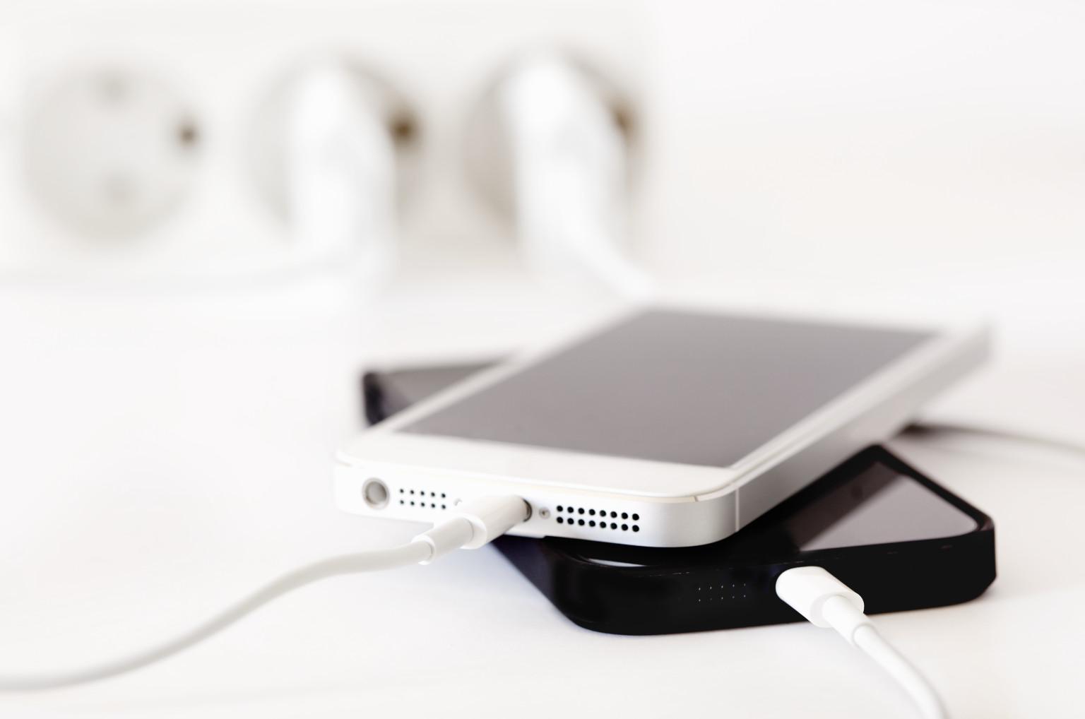быстрой разрядкой и перегревом iPhone