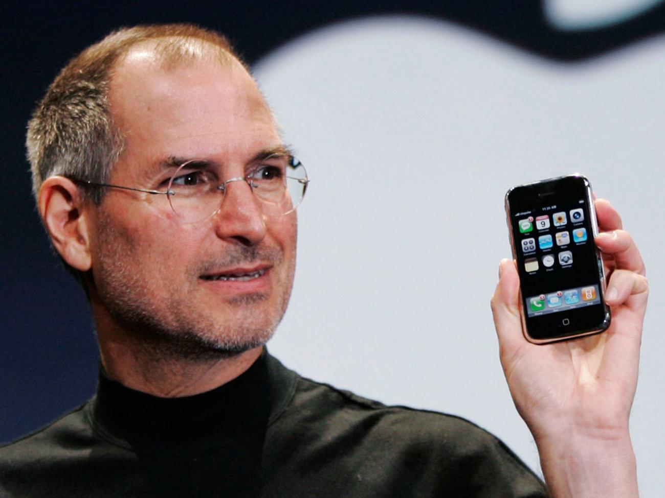 История: первый айфон 1