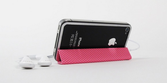 1330975409_tidytilt_kickstand_pink