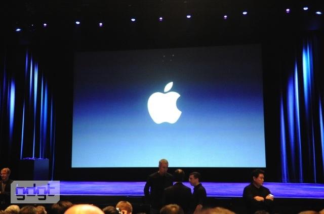 1331142575_phpq3rtrwapple-ipad-event-2012_002