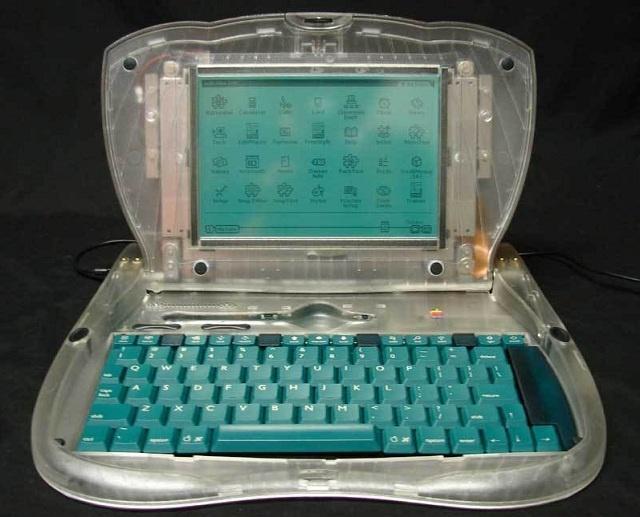 На eBay появился прототип старинного мобильного компьютера Apple eMate 300