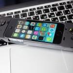 Играем на iPhone вместе с новым контроллером от Logitech