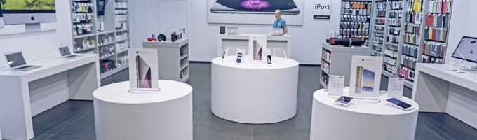 iPhone в магазине