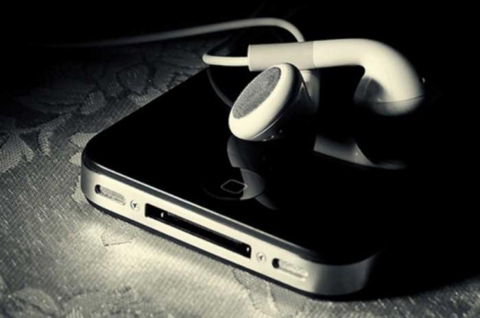 iPhone и наушники