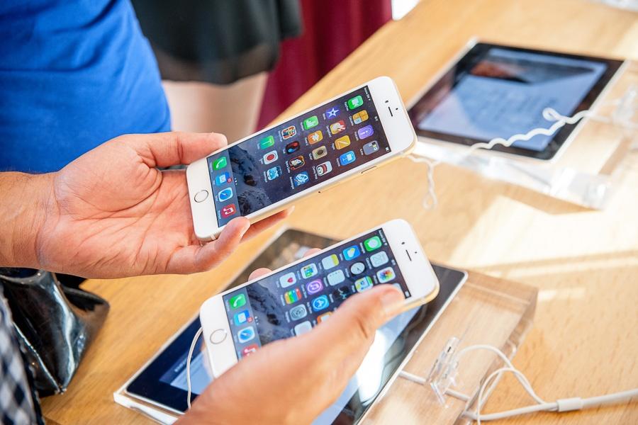 Компания Apple изобретает новый способ, как защитить свои смарфоны от повреждения при падении