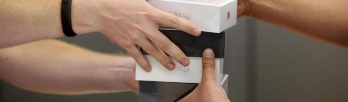 Евросеть подписала договор с Apple о поставках iPhone