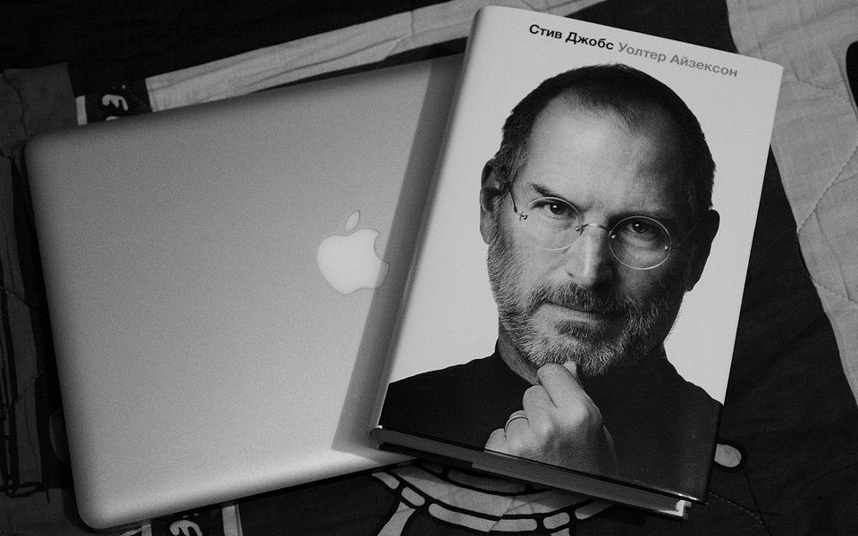 Уолтер Айзексон: «презрение Стива Джобса к Android была реальность»