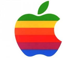 Почему Apple с эмблемой откусанного яблока