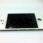iPhone 4S вдребезги!
