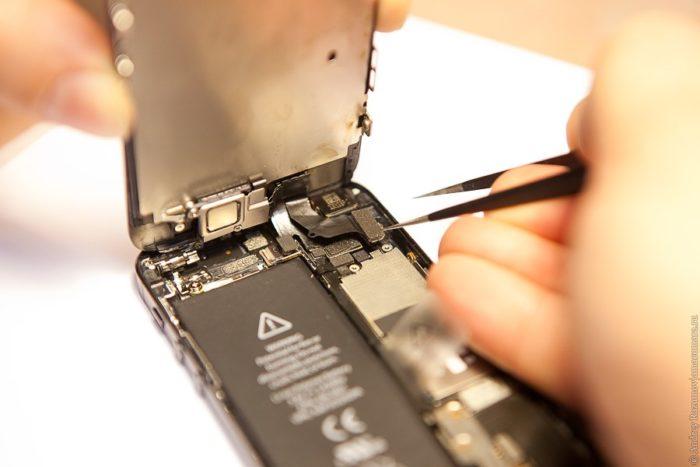 Снятие экрана iPhone 6 со шлейфами